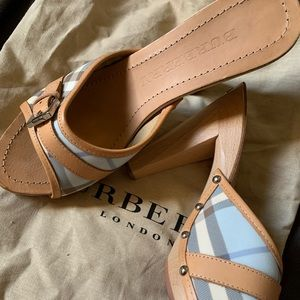 Burberry checkered peep toes heals